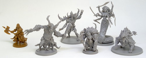 Size comparison of the miniatures from the Massive Darkness base set. From left to right: Bjorn, High Troll, Abyssal Demon, Ogre Mage, Liliarch, Hellhound.