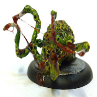Blob with tentacles in 1/56 scale - Shoglet, baby shoggoth from Fenris Games - Miniature creature review
