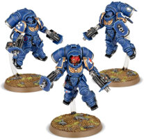 Futuristic warrior in power armour (Primaris Space Marine Inceptor from Dark Imperium set for Warhammer 40.000) from Games Workshop - Miniature figure review