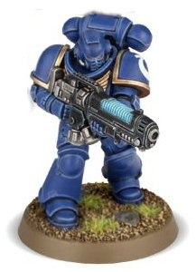 Futuristic warrior in full armour in 1/64 scale (Primaris Space Marine Hellblaster #2 in Mk10 Tacticus armour, with plasma incinerator from Dark Imperium set for Warhammer 40.000 Ed8) from Games Workshop, 2017