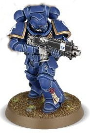 Futuristic warrior in full armour in 1/64 scale (Primaris Space Marine Intercessor #2 in Mk10 Tacticus armour, with Mk2 Cawl Pattern bolt rifle for Warhammer 40.000 Ed8) from Games Workshop, 2017