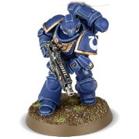 Futuristic warrior in full armour in 1/64 scale (Primaris Space Marine Intercessor #4 in Mk10 Tacticus armour, with Mk2 Cawl Pattern bolt rifle for Warhammer 40.000 Ed8) from Games Workshop, 2017