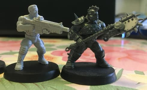 Size comparison of Bill miniature with 1:56 (28mm / 32mm) scale Goliath miniature for Necromunda from Games Workshop. From left to right: Bill, Goliath.