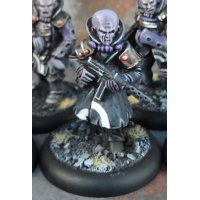 Humanoid mutant with submachine gun in 1/56 scale (Malformed Host #3 of the Malignancy for Macrocosm Sci-Fi) from Macrocosm Miniatures - Miniature figure review