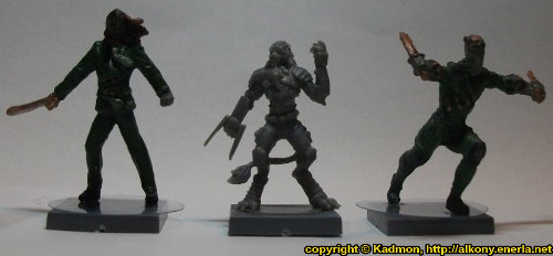 Size comparison of Yndij Reaver with 1:50 (35mm) scale miniatures: From left to right: Benjamin Orchard from Knight Models, Yndij Reaver from Mantic Games, William Cobb from Knight Models.