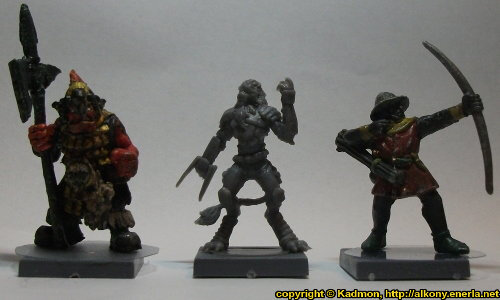 Size comparison of Yndij Reaver with 1:56 (28mm / 32mm) miniatures: From left to right: Orc with Spear #2 from Renegade Miniatures, Yndij Reaver from Mantic Games, Bretonnian Bowman #1 from Games Workshop.