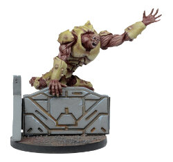 Large brute in 1/56 scale (Plague Gen 2 Mutant #2 for Warpath) from Mantic Games - Miniature figure review