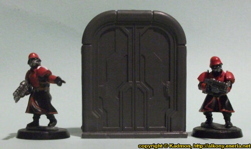 Size comparison of the Double Door #1 miniature scenery from Mantic Games with 1:56 (28mm / 32mm) scale Shock Troopers from Wargames Factory