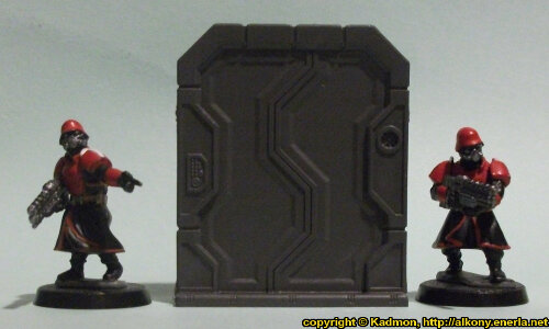 Size comparison of the Double Door #2 miniature scenery from Mantic Games with 1:56 (28mm / 32mm) scale Shock Troopers from Wargames Factory