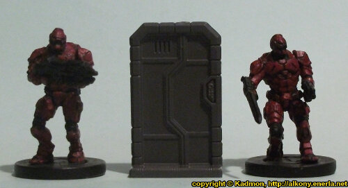 Size comparison of the Single Door #1 miniature scenery from Mantic Games with 1:56 (28mm / 32mm) scale Enforcers from Mantic Games.