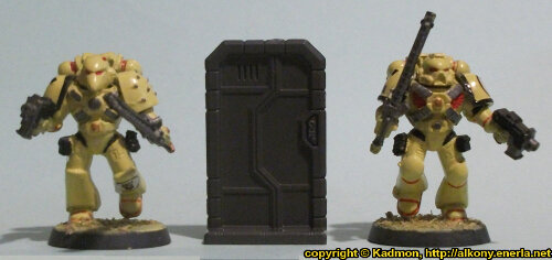 Size comparison of the Single Door #1 miniature scenery from Mantic Games with 1:64 (28mm/32mm) scale Space Marines from Games Workshop.