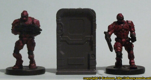 Size comparison of the Single Door #3 miniature scenery from Mantic Games with 1:56 (28mm / 32mm) scale Enforcers from Mantic Games.