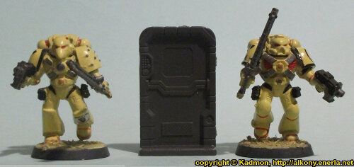 Size comparison of the Single Door #3 miniature scenery from Mantic Games with 1:64 (28mm/32mm) scale Space Marines from Games Workshop.