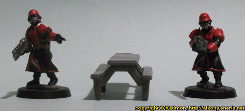 Size comparison of the Table #3 miniature scenery from Mantic Games with 1:56 (28mm / 32mm) scale Shock Troopers from Wargames Factory