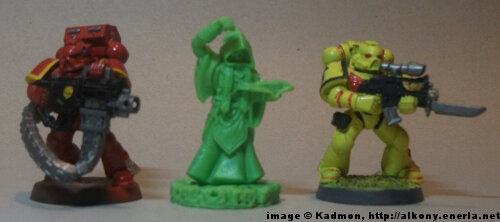 Cthulhu Wars Cultist from Petersen Games - 1:64 (28/32mm) comparison with Games Workshop Warhammer 40K Adeptus Astartes miniatures.