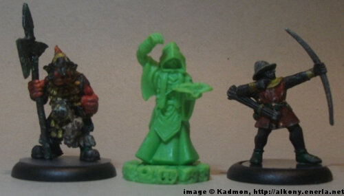 Cthulhu Wars Cultist from Petersen Games - 1:56 (28/32mm) comparison with Renegade Miniatures Orc with spear #2 (left) and Games Workshop Bretonnian Bowman #1 (right).