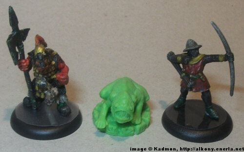 Cthulhu Wars Deep One from Petersen Games - 1:56 (28/32mm) comparison with Renegade Miniatures Orc with spear #2 (left) and Games Workshop Bretonnian Bowman #1 (right).