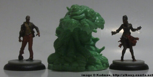Cthulhu Wars Shoggoth from Petersen Games - 1:50 (35/38mm) comparison with 35mm high Zombicide Male Walker #2 and Female Walker #2.