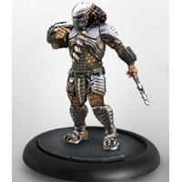 Humanoid alien warrior with wrist blade and spear (Predator Young Blood #1 for Alien vs Predator: The Hunt Begins) from Prodos Games, 2015 - Miniature figure review