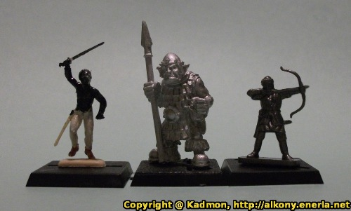 Orc with spear #2 miniature figure comparison with 1:72 (25mm) miniatures. The 1/72 minis are on their own bases, so take this into consideration. From left to right: Gaul warrior from Italeri, Orc with spear #2 from Renegade Miniatures, Russian knights archer from Zvezda.