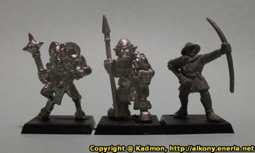 Renegade Miniatures - Orc with Spear #2 - 1:64 (28mm) comparison with Games Workshop Warhammer beastman (left) and Ed5 Bretonnian archer (right).