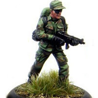 Modern soldier with submachine gun - Dogs of War #6 from Rogue Miniatures